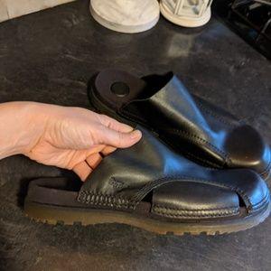Dr MARTENS BLACK SLIP ON SHOES